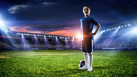 少しサッカー チャンピオン。ミクスト メディア 写真素材 - 83620906