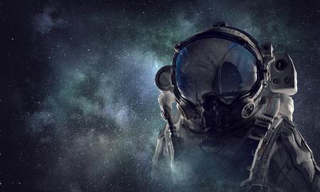 Ruimtevaarder in astronautenkostuum. Gemengde media