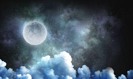 雲のある暗い空の満月 写真素材