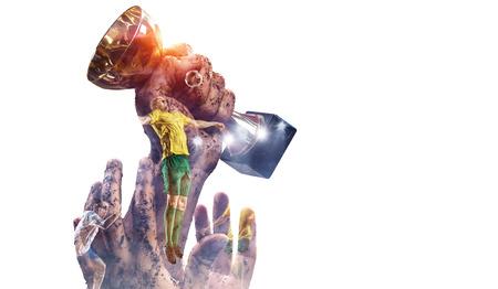 Doppelbelichtung der Schale in den Spielerhänden auf weißem Hintergrund. Gemischte Medien Standard-Bild - 85126177