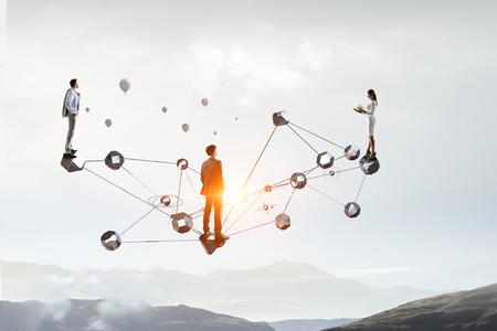 Netwerk en connectiviteit in het bedrijfsleven. Gemengde media Stockfoto