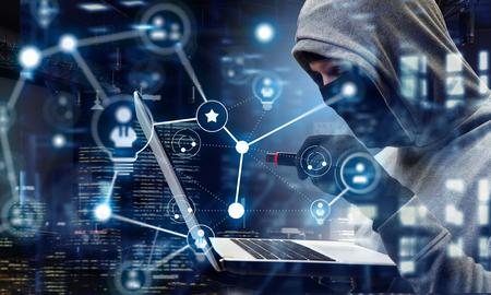 コンピューターのプライバシーを攻撃。ミクスト メディア