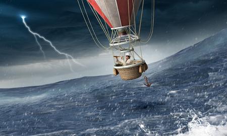 嵐の中の気球 写真素材