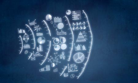 Plan d'affaires dessiné ou stratégie sur fond bleu