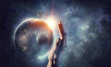 宇宙からの地球は、彼らすべての美しさを示しています。この画像の要素は、NASAによって供給されています