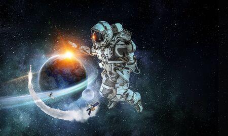 우주 비행사입니다.