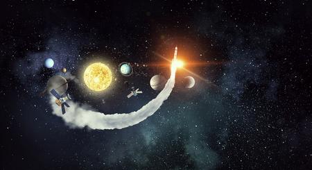 Astronomiekonzept mit Planeten auf dunklem Sternenhintergrund. Gemischte Medien