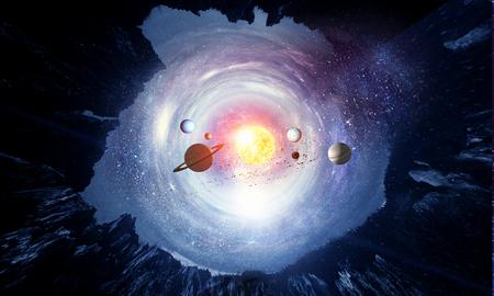 Planetas espaciales y nebulosa