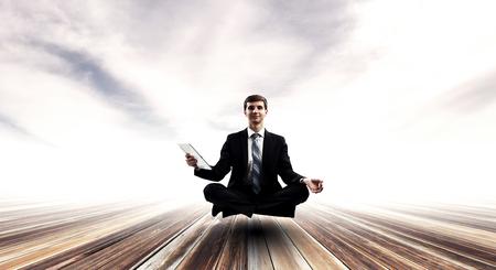 Das innere Gleichgewicht finden. Gemischte Medien