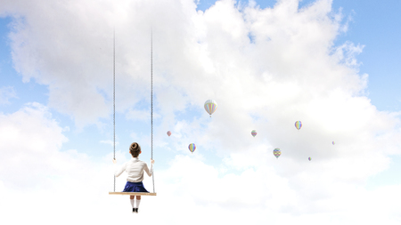 Glückliche sorglose Kindheit. Gemischte Medien