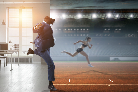 Black Man and Virtual Reality Sports Banco de Imagens - 122674719