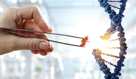 Conception de molécules d'ADN avec une main féminine tenant des pinces. Technique mixte