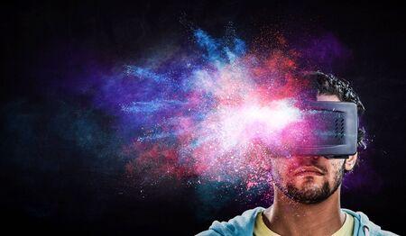 Virtual reality-ervaring. Technologieën van de toekomst. Gemengde media Stockfoto