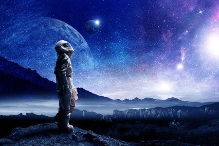 Astronauta y su misión. Técnica mixta Foto de archivo