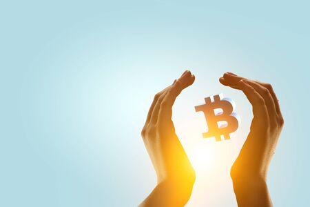 Crypto-valutawissel als concept voor het maken van geld Stockfoto