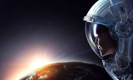 Eksploracja kosmosu. Różne środki przekazu