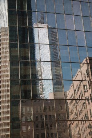 reflexion: PARIS - Francia - 23 de marzo 2015 - La defensa Edificios reflexi�n