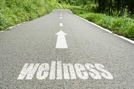 salud y deporte: concepto que ilustra en el camino del bienestar y la buena salud Foto de archivo