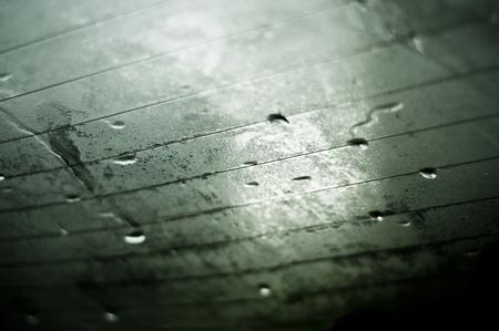 condensacion: primer plano de condensación en las ventanas de atrás del coche