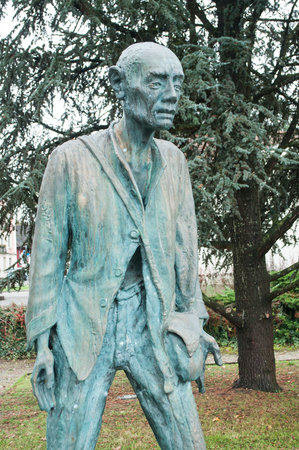 deported: Bronze statue of the war memorial of the Second World War 1914-1918 in alsatian village of Alkirch - France