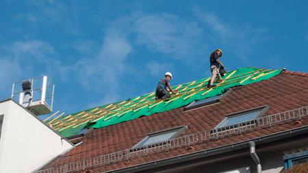 Reparar un techo después de un incendio Editorial