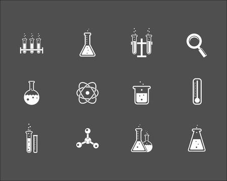 beaker: Juego de la ciencia blanco y los iconos de la investigación sobre un fondo gris que representa a los tubos de ensayo matraces de vidrio de laboratorio de aumento átomo de vidrio termómetro de cristal y soporte de retorta ilustración vectorial Vectores