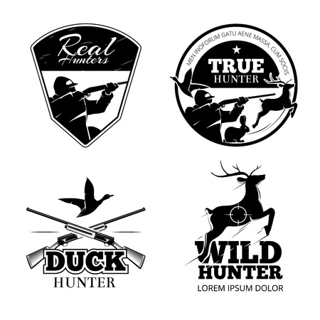 Conjunto de etiquetas y emblemas de vector de club de caza. Ilustración de ciervos animales, rifle y puntería