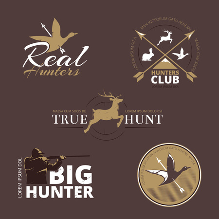 cazador: Etiquetas de vector con pato, venado, liebre, la pistola y el cazador. Caza con arma de fuego, caza del pato, caza emblema, logotipo cazador, etiqueta insignia caza, club de cazadores, ilustración caza de animales