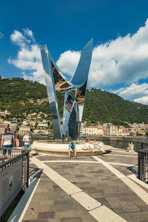 Como, ITALY - August 4, 2019: Marina in the Lake Como in the center of beautiful Italian Como city. Warm sunny summer day in very popular holiday destination. 版權商用圖片