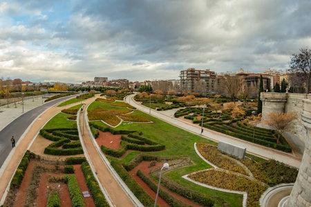 MADRID, SPAIN - DECEMBER 13, 2018: The Arganzuela bridge over Manzanares River downtown Madrid, Spain. It is a futuristic structure built in 2011. Reklamní fotografie