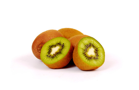 Fresh piece kiwi fruit isolated on white background Stockfoto - 121667475