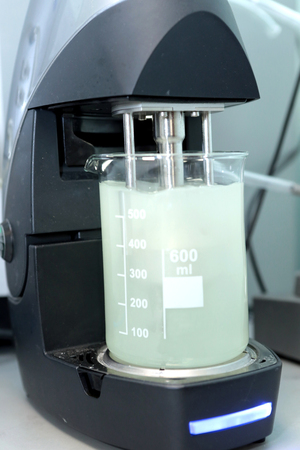 Autonomous solubility tester. Imitation dissolution of the table