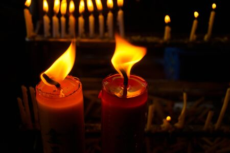 flickering: light candle