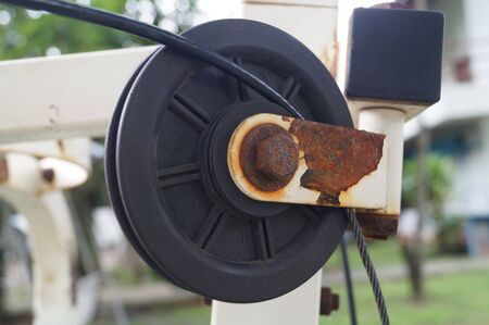 pulley: tattered pulley and wheel