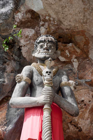 thai giant statue in yala cave temple, thailand Stock Photo - 11363154