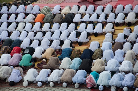 YALA, THAILAND - OCTOBER 29:Unidentified yala Musim men pray for Allah for ceremony in pray for Allah Islamic God ceremony on Oct 23, 2011 at Yala Institute of physical education, Thailand Stock Photo - 11653488