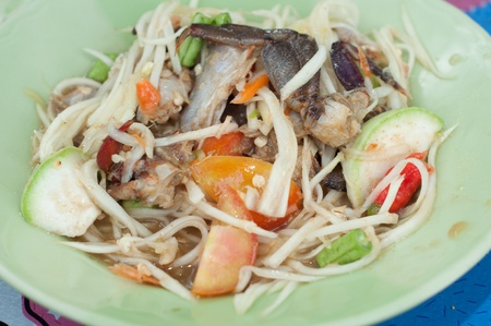 somtum: thai papaya salad with crab - somtum
