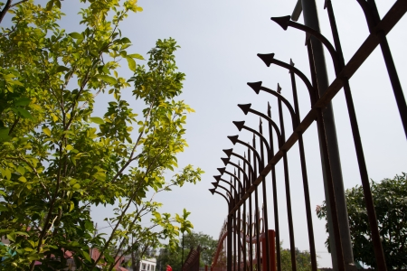 prickle: strong fence with prickle metal on the wall