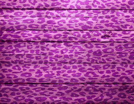 gepard: wood background overlays leopard print