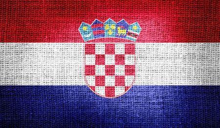 bandera croacia: Bandera de Croacia en tela de arpillera Foto de archivo