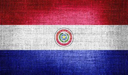 bandera de paraguay: Bandera de Paraguay en tela de arpillera Foto de archivo
