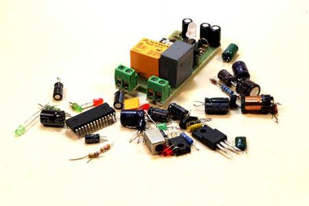 componentes: Un conjunto de componentes de radio Foto de archivo