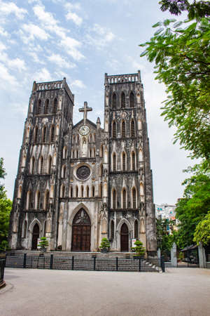 Hanoi Cathedral, a tourist destination not to be missed when coming to Hanoi. it is the fusion of European architecture and Vietnamese culture Banco de Imagens