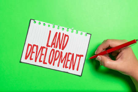 Sign displaying Land Development. Business idea process of acquiring land for constructing infrastructures Brainstorming Problems And Solutions Asking Relevant Questions Banque d'images
