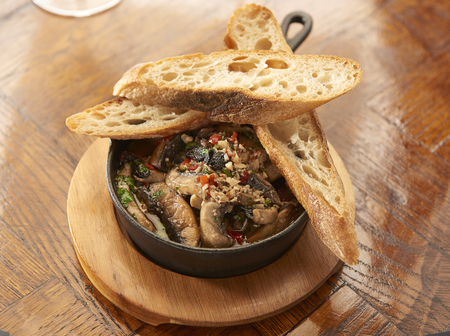 Garlic Mushrooms with bread 스톡 콘텐츠
