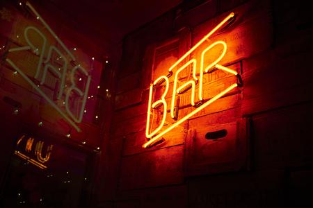 neon bar sign 에디토리얼