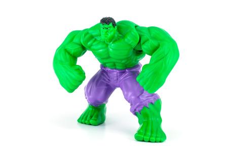 avenger: Bangkok, Tailandia - 08 de mayo 2014: El car�cter de juguete Hulk de la pel�cula Hulk y vengador. Hay un juguete de pl�stico que se vende como parte de las comidas felices de McDonald.