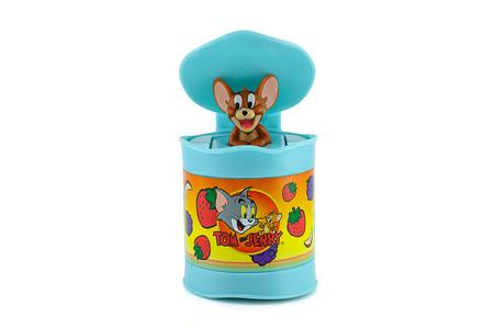 poubelle bleue: Bangkok, Tha�lande - 31 Ao�t, 2014: Jerry dans une s�rie d'animation am�ricaine bleu caract�re de jouets bin. Il ya jouet vendu comme une partie du jouet Happy Meal McDonald. �ditoriale