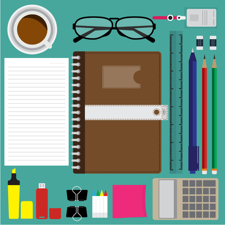 articulos de oficina: Vista superior de elementos de negocios modernos y artículos de oficina en el escritorio verde. ilustración vectorial diseño plano. Vectores