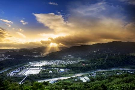 waterleiding: De nieuwe winkel waterwerken zonsopgang, Taiwan Stockfoto